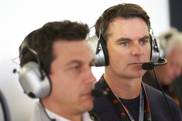 Autodromo Hermanos Rodriguez, Mexico City, Mexico. Saturday 28 October 2017. Multiple NASCAR champion Jeff Gordon in the Mercedes garage. World Copyright: Steve Etherington/LAT Images  ref: Digital Image SNE13681
