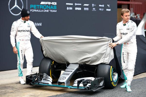 Circuit de Catalunya, Barcelona, Spain Monday 22 February 2016. Lewis Hamilton, Mercedes AMG, and Nico Rosberg, Mercedes AMG, unveil the Mercedes F1 W07 Hybrid. World Copyright: Alastair Staley/LAT Photographic ref: Digital Image _79P9227