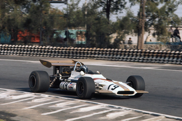 1970 Mexican Grand Prix. Mexico City, Mexico. 23-25 October 1970. Pedro Rodriguez (B.R.M. P153), 6th position, action.  World Copyright: LAT Photographic. Ref:  70 MEX 58.