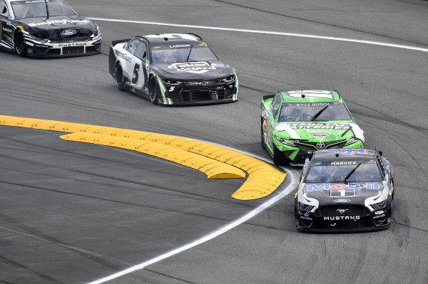 #4: Kevin Harvick, Stewart-Haas Racing, Ford Mustang Mobil 1, #18: Kyle Busch, Joe Gibbs Racing, Toyota Camry Interstate Batteries, and #5: Kyle Larson, Hendrick Motorsports, Chevrolet Camaro NationsGuard