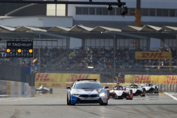 Pascal Wehrlein (DEU), Mahindra Racing, M5 Electro, follows the Safety Car