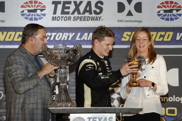 Josef Newgarden, Team Penske Chevrolet celebrates in victory lane