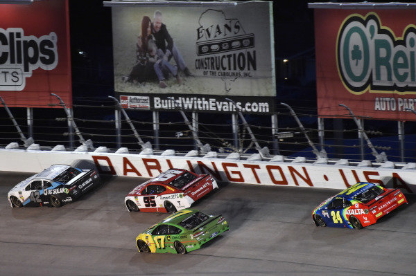 #42: Kyle Larson, Chip Ganassi Racing, Chevrolet Camaro DC Solar and #95: Kasey Kahne, Leavine Family Racing, Chevrolet Camaro Dumont JETS