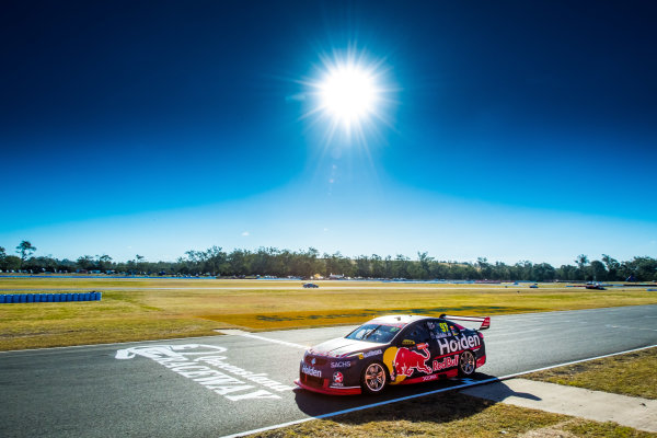 2017 Supercars Championship Round 8.  Ipswich SuperSprint, Queensland Raceway, Queensland, Australia. Friday 28th July to Sunday 30th July 2017. Shane van Gisbergen, Triple Eight Race Engineering Holden.  World Copyright: Daniel Kalisz/ LAT Images Ref: Digital Image 280717_VASCR8_DKIMG_7796.jpg
