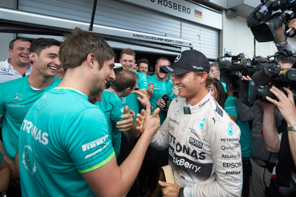 Red Bull Ring, Spielberg, Austria. Sunday 21 June 2015. Nico Rosberg, Mercedes AMG, 1st Position, celebrates with his team. World Copyright: Steve Etherington/LAT Photographic. ref: Digital Image SNE25057