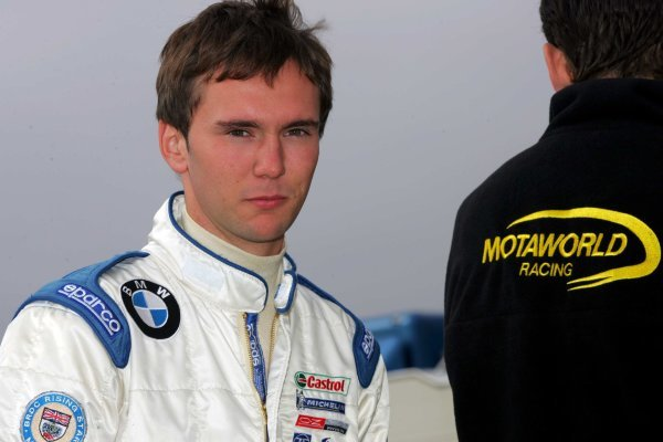Josh Fisher (GBR) Motaworld Racing.Formula BMW UK Championship, Rockingham, England, 4-5 September 2004.DIGITAL IMAGE.