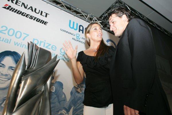 2007 GP2 Series. Round 11.GP2 Series Prize Giving Ceremony.Valencia, Spain. 30th September.Nani Rodriguez, (GRMF) with Gonzalo Rodriguez special award winner Giorgio Pantano (ITA, Campos Grand Prix). World Copyright: Drew Gibson/GP2 Series Media Service.RefMU4Z2889