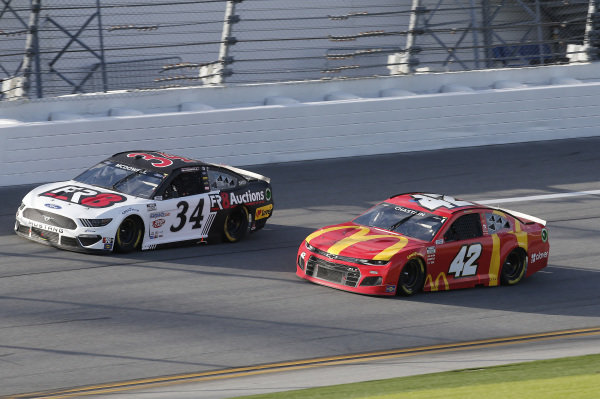 #34: Michael McDowell, Front Row Motorsports, Ford Mustang Love's Travel Stops, #42: Ross Chastain, Chip Ganassi Racing, Chevrolet Camaro
