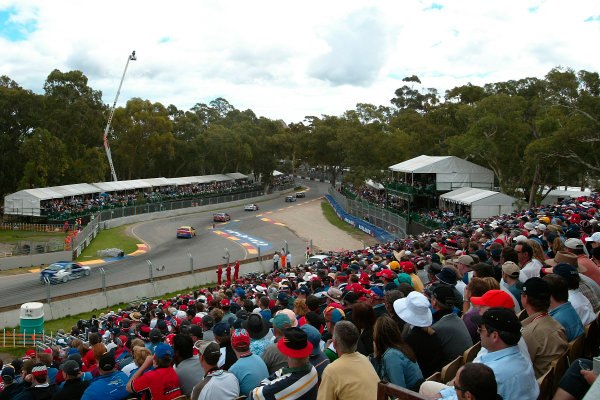 Clipsal 500 V8 Supercars Adelaide 22nd March 2003Large crowds flock to watch the v8 Supercar action at the Clipsal 500 in Adelaide Australia.World Copyright: Mark Horsburgh/LAT Photographicref: Digital Image Only