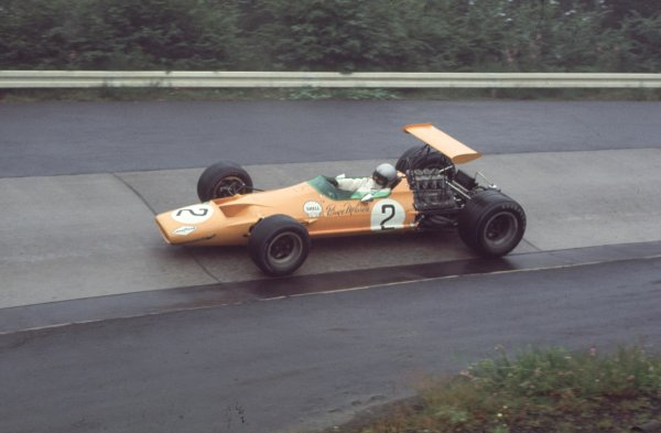 1968 German Grand Prix.Nurburgring, Germany.2-4 August 1968.Bruce McLaren (McLaren M7A Ford) 13th position.Ref-68 GER 02.World Copyright - LAT Photographic