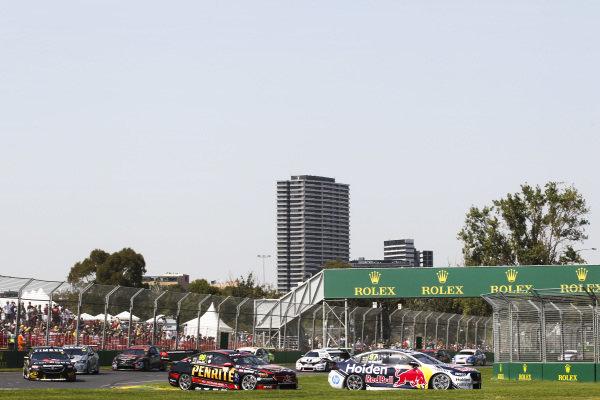 Shane van Gisbergen, Triple Eight Racing Engineering, Holden, leads Anton de Pasquale, Erebus Motorsport, Holden