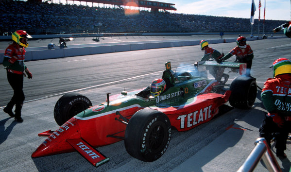 1999 CART California 500, California Speedway 31/10/99Fernandez' splash and go was the right decision for the win.-1999, Michael L. Levitt / USALAT PHOTOGRAPHIC
