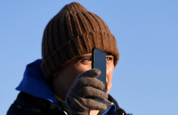 Felipe Massa (BRA), Venturi Formula E, shows his phone
