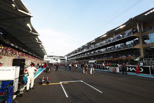 Teams prepare on the grid.