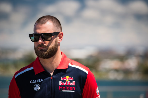 2017 Supercars Championship Round 14.  Newcastle 500, Newcastle Street Circuit, Newcastle, Australia. Thursday November 23rd to Sunday November 27th 2017. Shane van Gisbergen, Triple Eight Race Engineering Holden.  World Copyright: Daniel Kalisz/LAT Images Ref: Digital Image 231117_VASCR14_DKIMG_0013.jpg