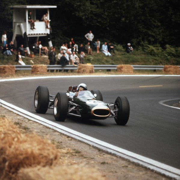 Rouen-les-Essarts, France.26-28 June 1964.Jack Brabham (Brabham BT7 Climax) 3rd position.Ref-3/1273.World Copyright - LAT Photographic