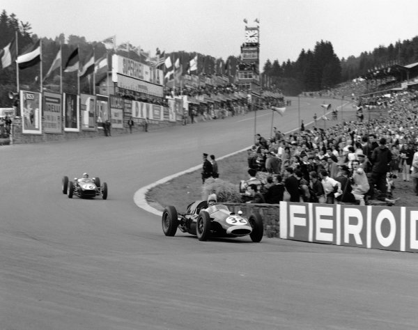 1960 Belgian Grand Prix. Spa-Francorchamps, Belgium. 19th June 1960. Lucien Bianchi (Cooper T45-Climax), Not Classified, leads Alan Stacey (Lotus 18 - Climax), retired, action.  World Copyright: LAT Photographic. Ref:  6659.
