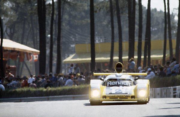 Le Mans, France. 10 - 11 June 1978.Jean-Pierre Jaussaud/Didier Pironi (Alpine-Renault A442B), 1st position, action. World Copyright: LAT PhotographicRef: 78LM