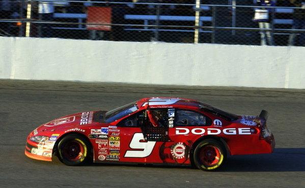 Race winner Bill Elliott (USA), Dodge Dealers, celebrates with a thumbs up.NASCAR Winston Cup Series, Rd35, Microwave Popcorn 400, Rockingham, North Carolina, USA. 9 November 2003.DIGITAL IMAGE