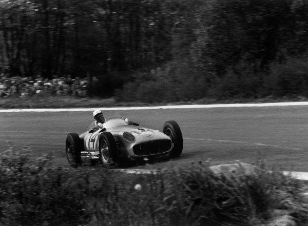 Spa-Francorchamps, Belgium. 3rd - 5th June 1955. Stirling Moss (Mercedes-Benz W196) 2nd position, action.Ref - 299/20AWorld Copyright - LAT Photographic