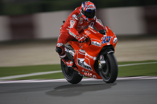 Qatar, Losail International Circuit.10th - 13th April 2009.Casey Stoner Marlboro Ducati Team dominates The Qatar MotoGP race.World Copyright: Martin Heath/LAT Photographicref: Digital Image BPI_Moto 7o6b