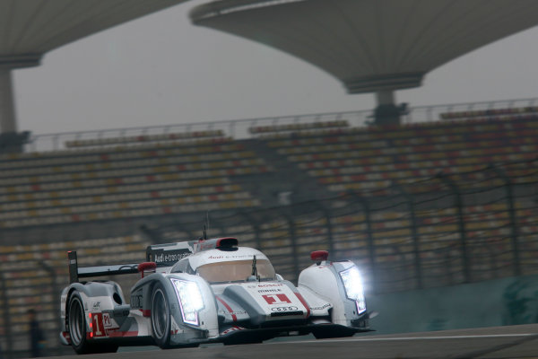 Shanghai, China. 25th - 27th October 2012. Andre Lotterer/Marcel Fassler/Benoit Treluyer Audi Sport Team Joest Audi R18 E-Tron Quattro World Copyright: Ebrey/LAT Photographic.