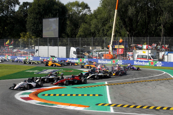 AUTODROMO NAZIONALE MONZA, ITALY - SEPTEMBER 07: Lirim Zendeli (DEU) Sauber Junior Team by Charouz leads Christian Lundgaard (DNK) ART Grand Prix and Richard Verschoor (NLD) MP Motorsport at the tart of the race during the Monza at Autodromo Nazionale Monza on September 07, 2019 in Autodromo Nazionale Monza, Italy. (Photo by Joe Portlock / LAT Images / FIA F3 Championship)