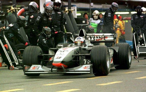 1998 Argentinian Grand Prix. Buenos Aires, Argentina. 10-12 April 1998. David Coulthard (McLaren MP4/13 Mercedes-Benz). World Copyright - LAT Photographic