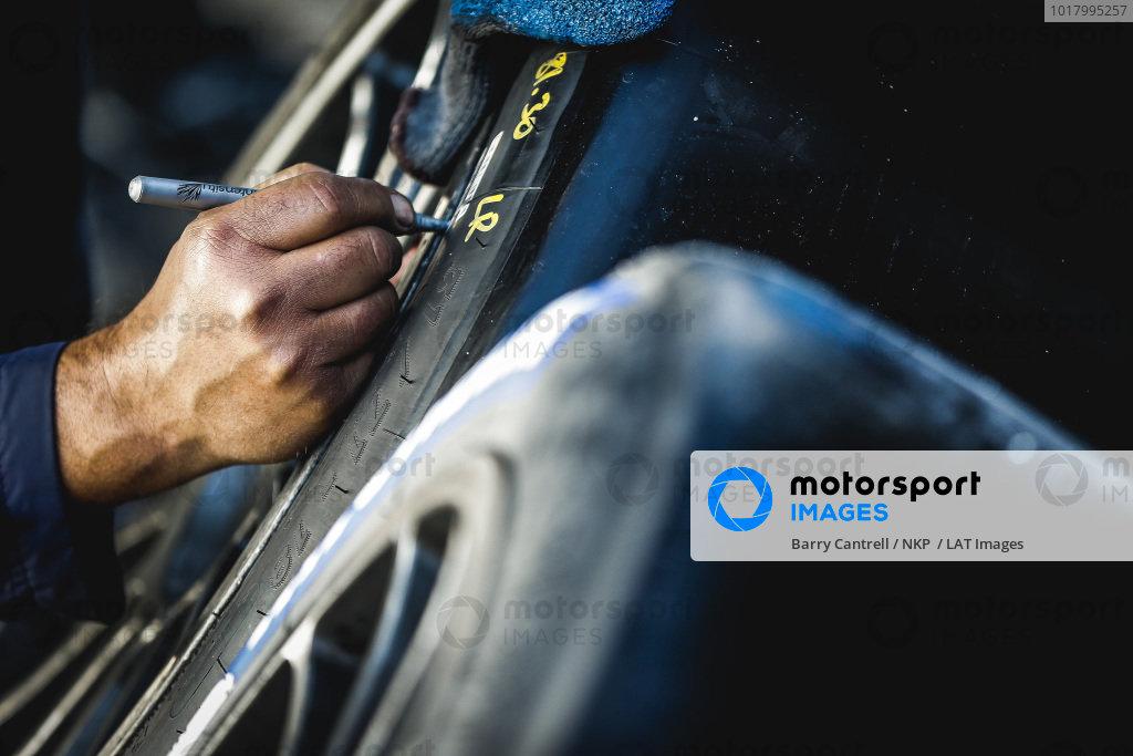 #911 Porsche GT Team Porsche 911 RSR - 19, GTLM: Matt Campbell, Nick Tandy, Fred Makowiecki crew member, Michelin tire