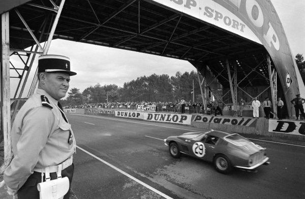 Piers Courage / Roy Pike, Maranello Concessionaires, Ferrari 275 GTB/C.