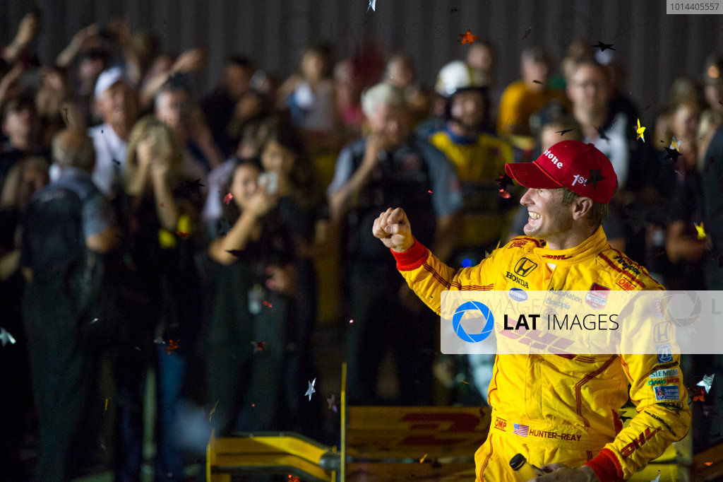17-18 July, 2015, Newton, Iowa USA Ryan Hunter-Reay Celebrates the win in victory lane ?2015 Scott R LePage  LAT Photo USA