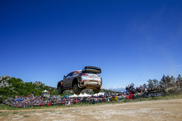 Thierry Neuville gets big air over Micky's Jump on Rally d'Italia Sardinia