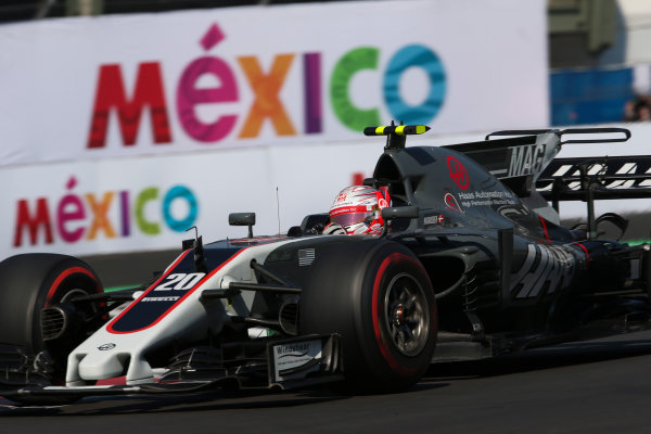 Autodromo Hermanos Rodriguez, Mexico City, Mexico. Friday 27 October 2017. Kevin Magnussen, Haas VF-17 Ferrari. World Copyright: Charles Coates/LAT Images  ref: Digital Image AN7T8520