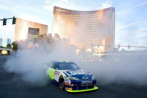 1-3 December, 2010, Las Vegas, Nevada USAJimmie Johnson burnout©2010, LAT South, USALAT Photographic