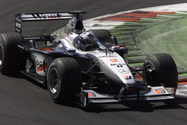 Monza, Italy. 8-10 September 2000.David Coulthard (McLaren MP4/15 Mercedes). World Copyright - LAT Photographic