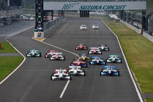 2009 Formula Nippon Championship.Suzuka, Japan. 11th - 12th July 2009.Rd5  - Start of the race, action.World Copyright: Yasushi Ishihara/LAT Photographicref: Digital Image 2009FN_Rd5_001