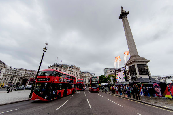F1 Live London. London, United Kingdom. Tuesday 11 July 2017. Preparations for F1 Live in Trafalgar Square. World Copyright: Zak Mauger/LAT Images ref: Digital Image _56I5259
