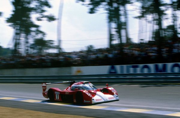 Le Mans, France. 12th - 13th June 1999. Martin Brundle/Emmanuel Collard/Vincenzo Sospiri (Toyota GT-One), retired, action. World Copyright: Gavin Lawrence/LAT Photographic. Ref: 99LM11.