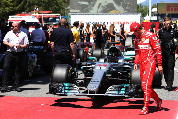 Circuit de Catalunya, Barcelona, Spain. Saturday 13 May 2017.Sebastian Vettel, Ferrari, checks out the car of Lewis Hamilton, Mercedes F1 W08 EQ Power+, in Parc Ferme. World Copyright: Charles Coates/LAT Images ref: Digital Image DJ5R8914