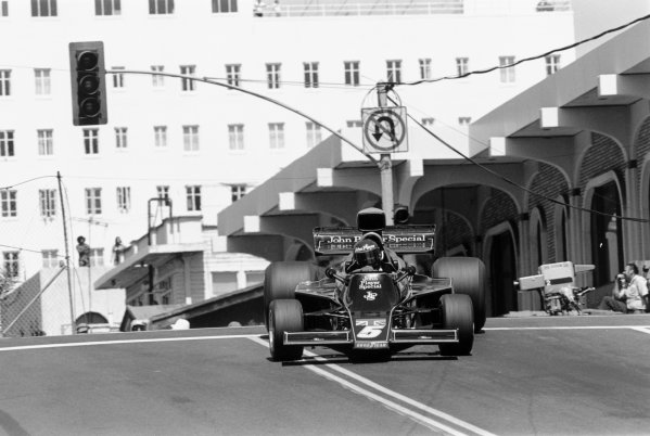 Long Beach, California, USA. 28 March 1976.Bob Evans (Lotus 77-Ford Cosworth), did not qualify. Ref-8436 #5AWorld Copyright - LAT Photographic