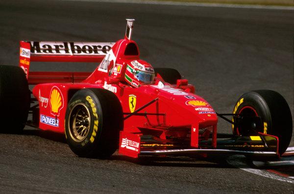 Suzuka, Japan.10-12 October 1997.Eddie Irvine (Ferrari F310B) 3rd position.Ref-97 JAP 15.World Copyright - LAT Photographic