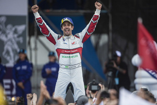 Race winner Lucas Di Grassi (BRA), Audi Sport ABT Schaeffler celebrates as he approaches the podium