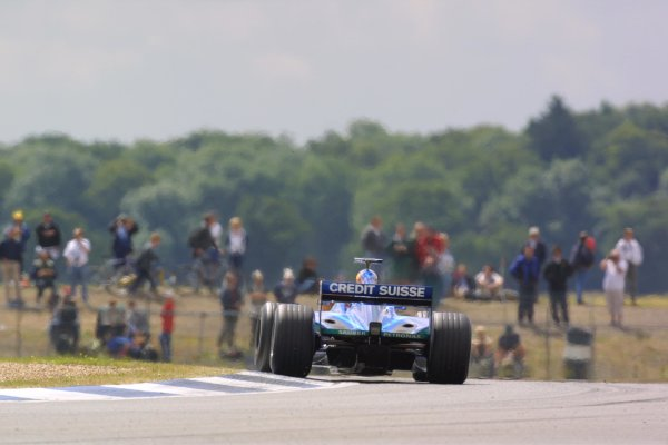 2001 British Grand Prix - Friday PracticeSilverstone, England. 13th July 2001World Copyright - LAT Photographicref: 8 9 MB Digital File only