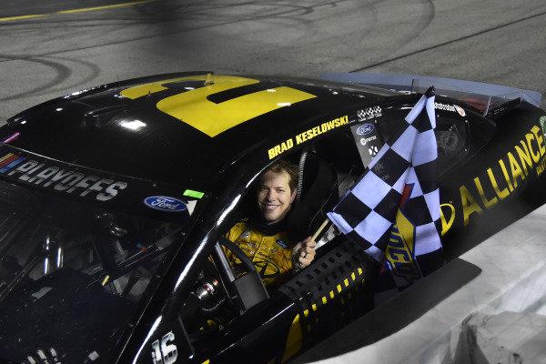 #2: Brad Keselowski, Team Penske, Ford Mustang Western Star/Alliance Parts celebrates his win
