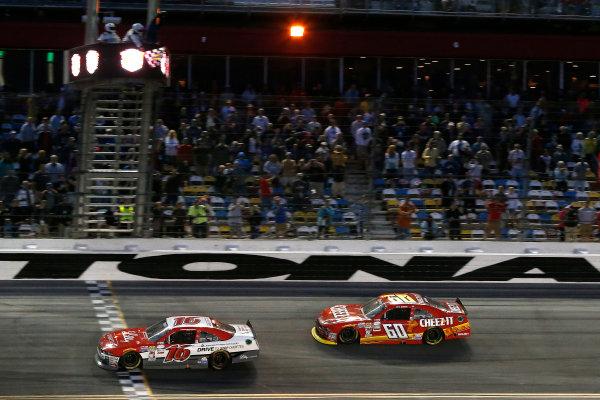 20-21 February 2015, Daytona Beach, Florida, USA Ryan Reed takes the checkered flag and win ©2015, Michael L. Levitt LAT Photo USA