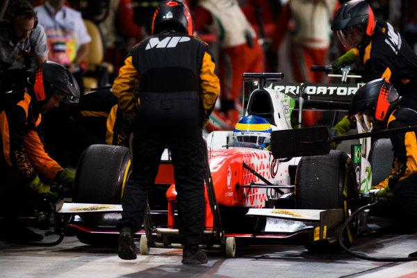 2017 FIA Formula 2 Round 11. Yas Marina Circuit, Abu Dhabi, United Arab Emirates. Saturday 25 November 2017. Sergio Sette Camara (BRA, MP Motorsport).  Photo: Sam Bloxham/FIA Formula 2. ref: Digital Image _W6I3433