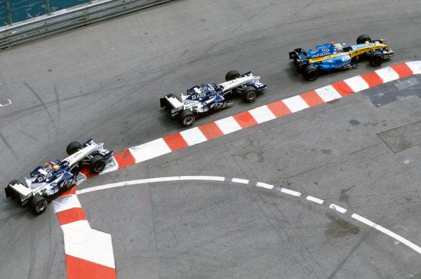 2005 Monaco Grand PrixMonte Carlo, Monaco. 19th - 22nd May Fernando Alonso, Renault R25 leads Nick Heidfeld, Williams F1 BMW FW27 and Mark Webber, Williams F1 BMW FW27. Action. World Copyright: Steven Tee/LAT Photographi--c ref: 35mm Image 05Monaco11