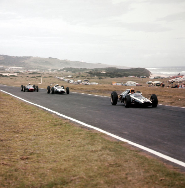 East London, South Africa.27-29 December 1962.Tony Maggs leads Bruce McLaren (both Cooper T60 Climax's) and John Surtees (Lola Mk4 Climax). McLaren and Maggs finished in 2nd and 3rd positions respectively.Ref-3/0742.World Copyright - LAT Photographic