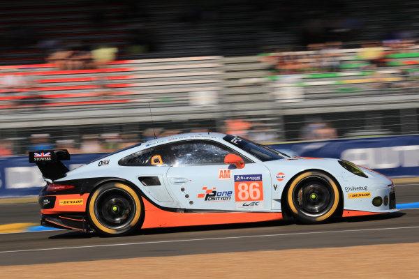 2017 Le Mans 24 Hours Circuit de la Sarthe, Le Mans, France. Saturday 17 June 2017 #86 Gulf Racing Porsche 911 RSR: Michael Wainwright, Ben Barker, Nick Foster World Copyright: NIKOLAZ GODET/LAT Images ref: Digital Image NGP_5063