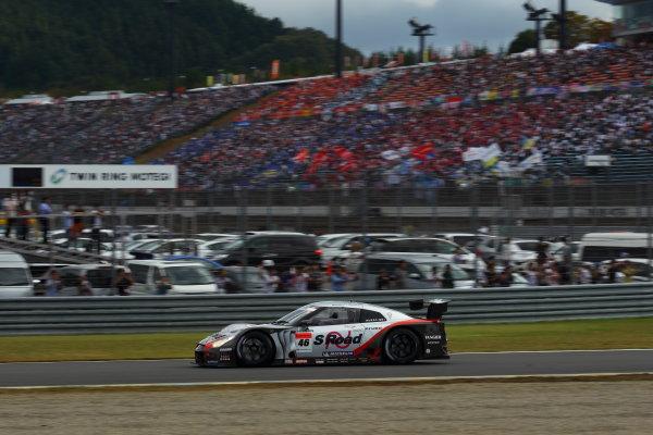 Twin Ring Motegi, Japan.15th - 16th October 2011GT500 2011 Driver's Champion Masataka Yanagida & Ronnie Quintarelli ( #46 S Road MOLA GT-R ) action.World Copyright: Yasushi Ishihara/LAT Photographicref: Digital Image 2011SGT_R8_019